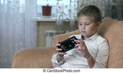 Boy wearing virtual reality goggles HD - Boy wearing virtual...