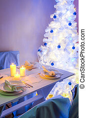 Breathtaking Christmas table setting in blue and white