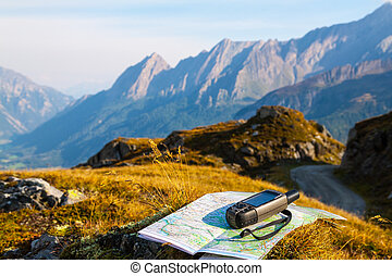 Navigate with GPS in the mountain - GPS navigator and map on...