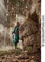Duende, mulher, em, verde, couro, armadura, com, a, espada