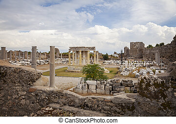 Side commercial agora - Image of the ancient commercial...