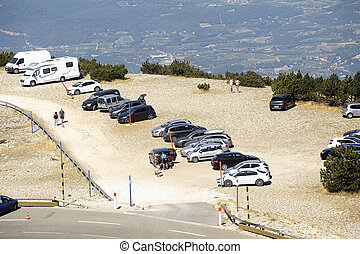 Road Mont Ventoux amount borrowed by many cyclists and cars
