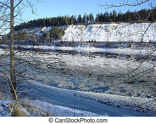 Ice on the Fraser - Ice on the flowing waters sparkle in the...