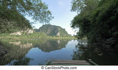 Rowboat tour to enjoy the beauty of Ha Long Bay, Vietnam