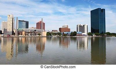 Timelapse Toledo, Ohio on sunny day - Timelapse Toledo, Ohio...