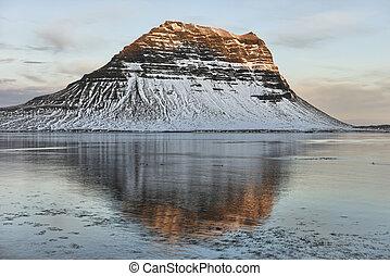 Kirkjufell, Iceland - Kirkjufell, Grundarfjordur, Iceland