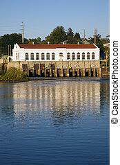 Dam in Wisconsin Dells, Wi