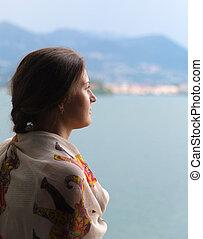 donna, dall'aspetto, sopra, lago, maggiore