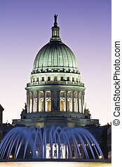 Madison, Wisconsin - State Capitol - State Capitol of...