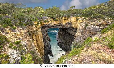 Tasman Arch Tasmania - Tasman Arch is an unusual geological...