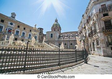 Fontana Pretoria Palermo - View of Piazza Pretoria (Square...