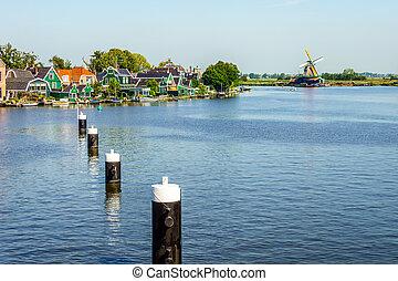Holenderski, wiatraki, Na, przedimek określony przed...