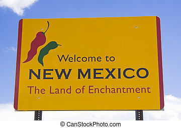 Wecome to New Mexico sign.