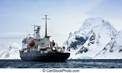 Big ship in Antarctica - Big ship in Antarctic waters