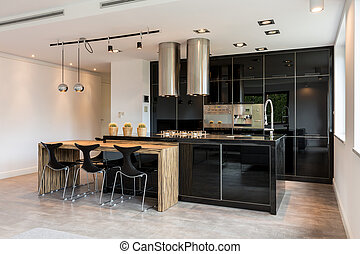 Black lacquered kitchen - Spacious black lacquered kitchen...