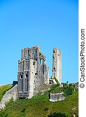 Corfe castle. - View of Corfe castle on the hilltop, Corfe,...
