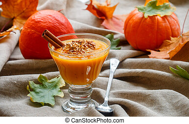 Pumpkin smoothies with cinnamon, ginger and granola. Useful...