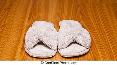 white plush slippers - white smart bedroom-slippers on...