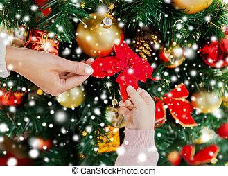 familia, árbol, Arriba, cierre, Decorar, navidad