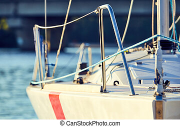 Equip yacht with braces for spinnaker - Equip yacht with,...