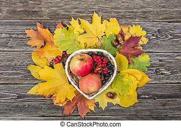 Outono, montanha, cinza, maçã, folhas