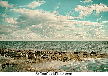 Seascape cloudscape Retro Effect - A seascape cloudscape...