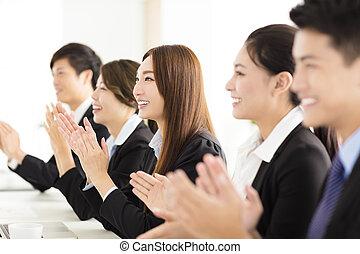 feliz, empresa / negocio, gente, aplaudiendo, en,...
