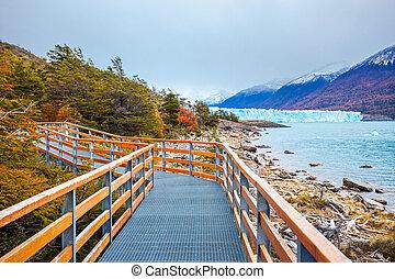 The Perito Moreno Glacier - Tourist route near the Perito...