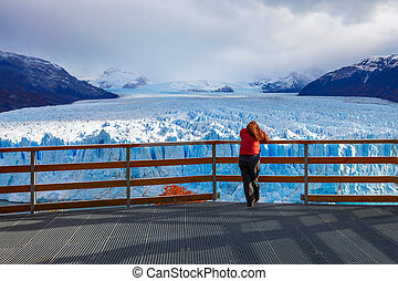 The Perito Moreno Glacier - Tourist near the Perito Moreno...
