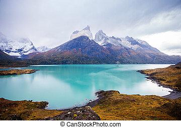 Torres del Paine Park - Torres del Paine National Park...