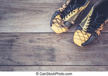 viejo, zapatos, de madera, fútbol, gris, tablón