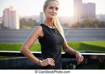 Woman of success - Portrait of confident mature...