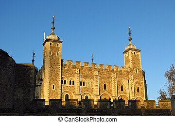 Tower of London White Tower - The White Tower at the Tower...