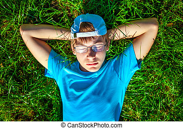Teenager on the Grass - Teenager take a rest on the Green...