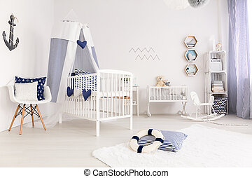 Crib with canopy - White crib with canopy in marine style...