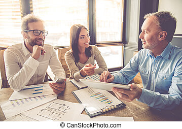 Business people working - Beautiful business people are...