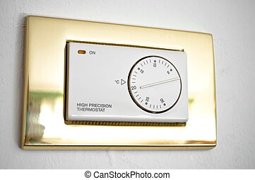 High precision thermostat