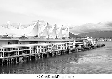 Canada Place in Vancouver - Canada Place, the cruise ship...