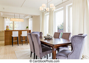 Spacious dining room - Elegant spacious dining room and open...
