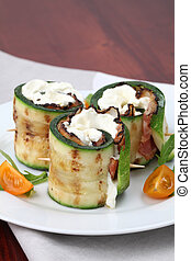Zucchini rolls and bacon and cheese - Grilled zucchini rolls...