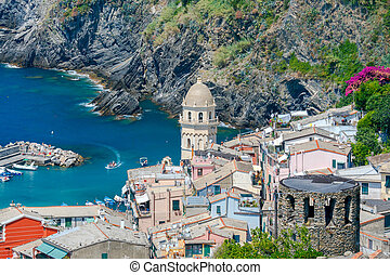 Vernazza. The old village with colorful houses. - Colorful...