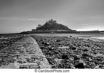 St Michaels mount  - Black and white St Michaels mount