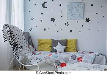 Sleeping under the stars - Light child bedroom with window,...