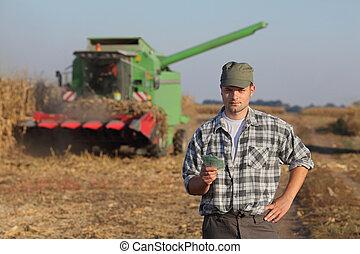 Agricultural concept, farmer, money and harvest - Farmer...