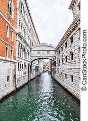HDR Bridge of Sighs Venice - High dynamic range (HDR) Ponte...