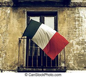 Vintage looking Italian flag