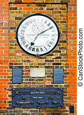 Greenwich clock - Magnetic clock and measurements at...