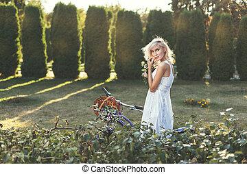 modesto, niña, en, blanco, Vestido