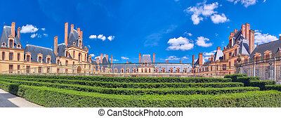 Suburban Residence of the France Kings - beautiful Chateau...