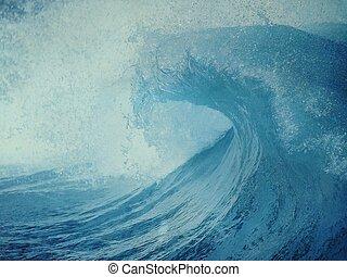 Blue ocean wave with surf splashing